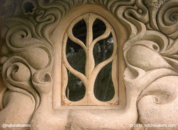A beautiful handmade window in a cob house england - The cob house the beauty of simplicity ...
